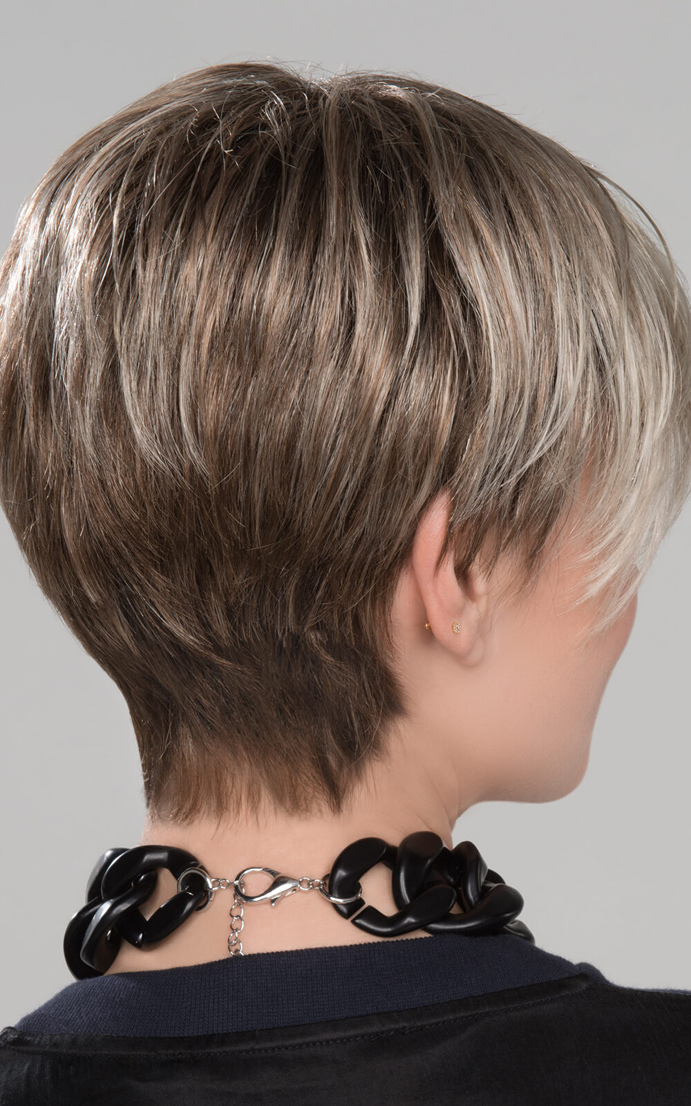 Tapered neckline and extra comfort