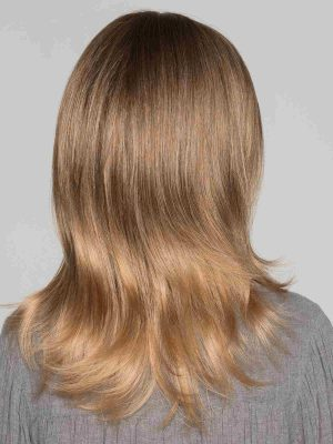 Soft layering will add dimension and softness to the ends