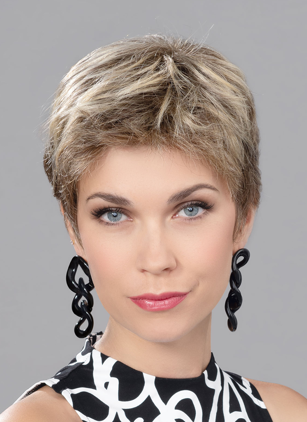 Focus    The sides and back are wefts sewn onto a soft-mesh lined cap, which makes it lightweight and perfect for sensitive scalps.