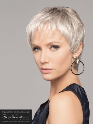 PERU MONO RAQUEL WELCH | A short pixie style which is incredibly light to wear.