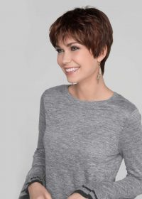 Zizi Mono Top | A mono top gives a natural appearance while also allowing the wearer to modify their hair part.